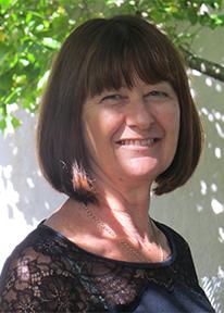 Dr Lyn Carter